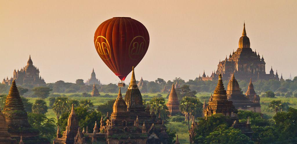 Let balónom ponad Bagan
