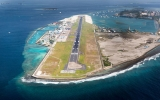 Letiště na moři: Podívejte se na ostrov s tříkilometrovou přistávací dráhou
