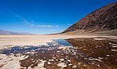 Nejteplejší místo na Zemi ukrývá chodící kameny i pouštní želvy