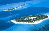 Prohlédněte si sedm korálových rájů na Maledivách