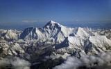 Jaké jsou nejvyšší hory světa: Na Everestu straší a Kilimandžáru hrozí katastrofa!