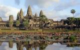 Kambodža: Plavba za říčními delfíny a česky hovořící král