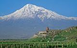 Kavkaz si vás učaruje majestátními scenériemi a nízkými cenami