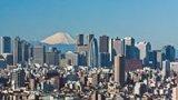 Tokio je nejmodernější město světa, kde vás zřízenci nacpou do vagonů metra
