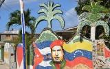 Revoluční ostrov ukrývá malou Barcelonu plnou barev a bizarních tvarů