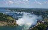 Šílenci v sudech a ohromující proud. Vítejte u Niagarských vodopádů