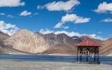Tibet: Mají tu palác Potála, nejvyšší horu světa i dějiště filmu s Bradem Pittem