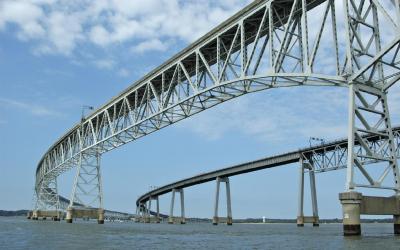 Sedm km oceli připomíná velkorysé konstrukce ze stavebnice Merkur | Chesapeake Bay Bridge