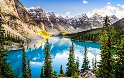 Inkoustová modř jezera Moraine...   Kanada