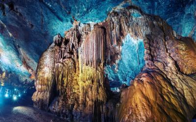 Vietnam | Ha Long Grotto