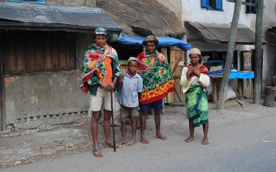 Tradiční oděv | Madagaskar - kmen Batsileo
