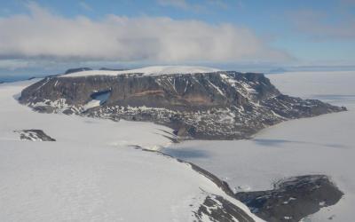 Snow Hill Island - sídliště tučňáků císařských