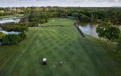 Golf 6   741 Constance Belle Mare Plage