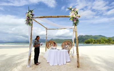 Svatba   741 Beachcomber Paradis