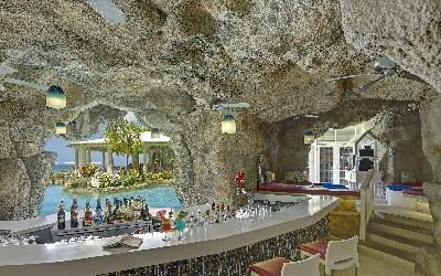 Bar   760 Crystal Cove