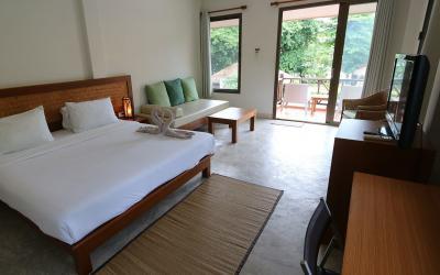 pool-side-rooms02
