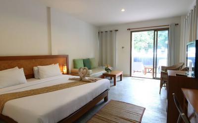 pool-side-rooms04