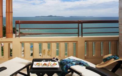 03_-_centara_grand_mirage_beach_resort_pattaya_-_premium_deluxe_2