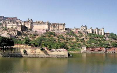 Ámbér | Indie