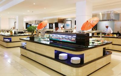 Main Buffet Larimar Restaurant