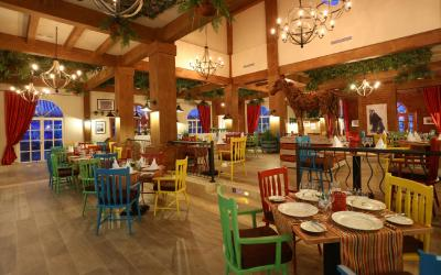 Garden Circus Restaurant with grilled meals