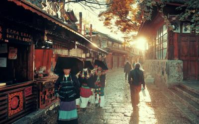 bigstock-Lijiang-CHINA--DEC--Street-114580367