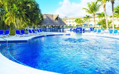 Royalton Splash bazén
