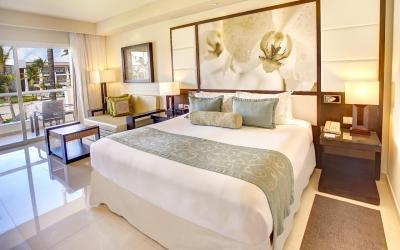 Royalton diamond club luxury room