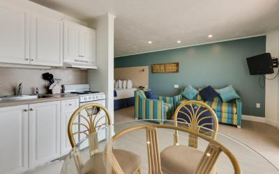 Beachfront Kitchen | The Outrigger Beach