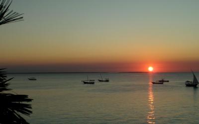 Západ slunce v Nungwi | Langi Langi Bungalows