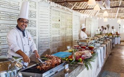 Bufetový stůl v hlavní restauraci | Diamonds Mapenzi Beach Club