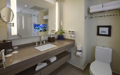 Bucuti-Bathroom