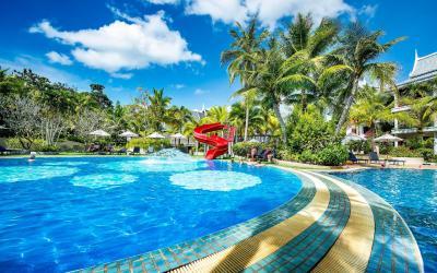 pool garden 6