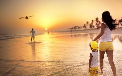 pláž a západ slnka