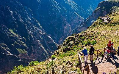Peru   Mirador de la Cruz del Condor