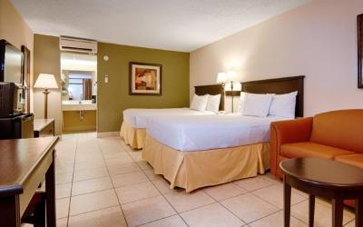 Champions_World_Resort_Bedroom03-1