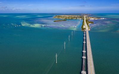USA   Overseas Highway - příjezd na Key West
