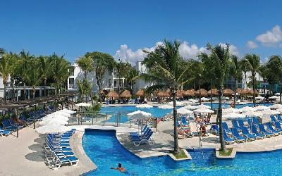 Pool & The Resort View