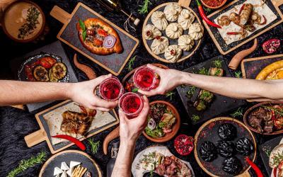 Ohutnávky vín a brandy a gruzínská kuchyně: Kebab, Lula, Lavash, sýr Suluguni, Khachipuri, Khinkali. | Gruzie