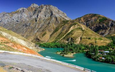 jezero Charvak  | Uzbekistán