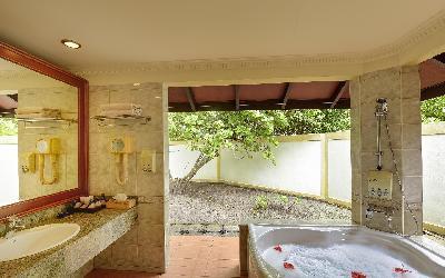 Two Bedroom Beach Pool Residence Bathroom