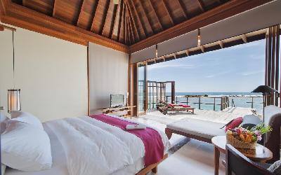 One Bedroom Ocean Suite With Pool Bedroom View