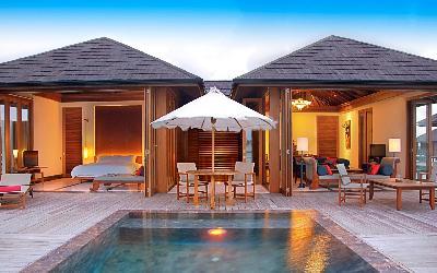 One Bedroom Ocean Suite With Pool